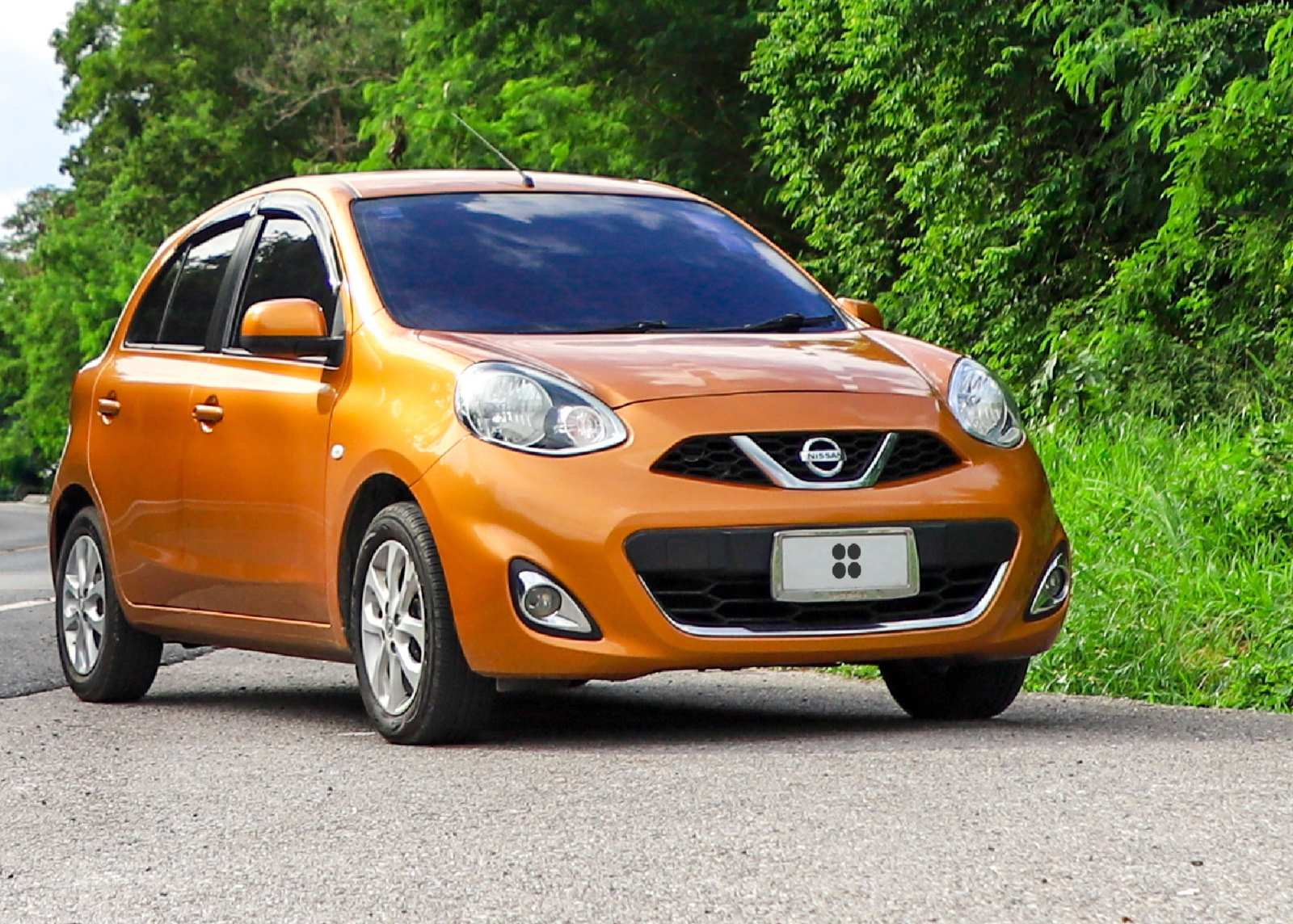 Rent Nissan March